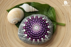 DIY Mandala Stones Tutorial colorful-crafts.com